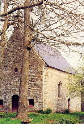 chapelle Moustriziac -  Langonnet.jpg