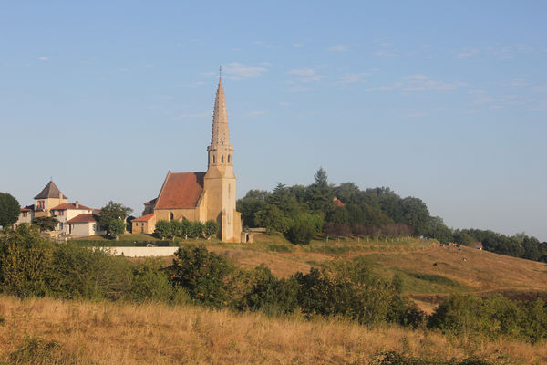 1. l'église et son clocher.jpg