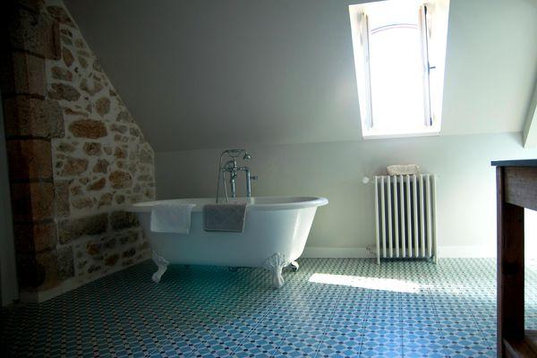 Loublande-chateau saint-georges-baignoire-louise-sit.jpg