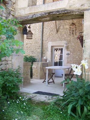 Terrasse et jardin clos.JPG