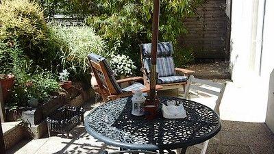 Lemontreehouse-terrasse-sit.jpg