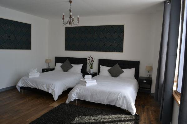 Room1-1.jpg