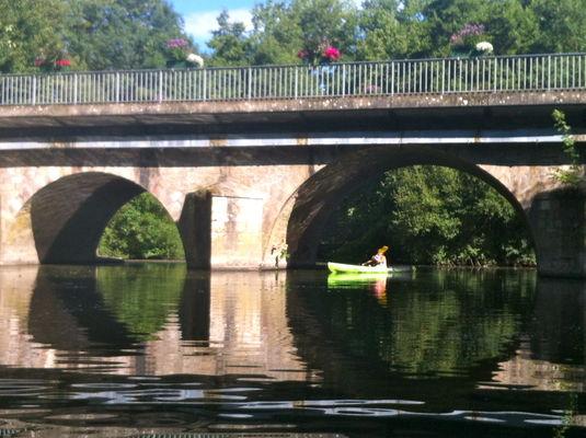 ile-leydet-canoe2.jpg