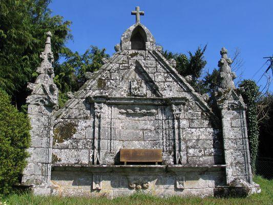 chapelle Ste Christine - Locmalo.JPG