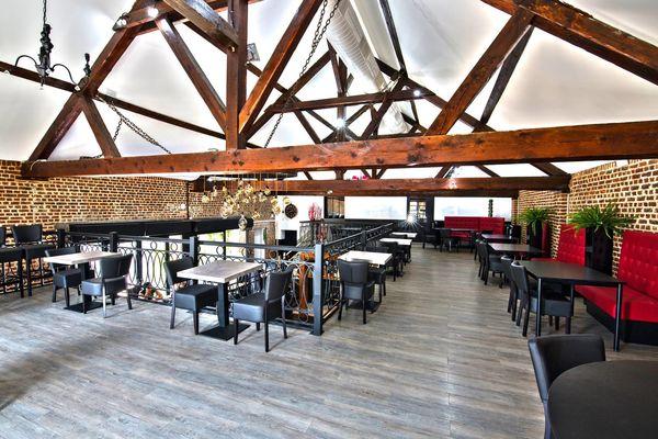 feu-au-lac-valenciennes-salle-étage-restaurant.jpg