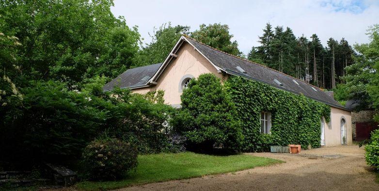 Gite Le Pavillon De La Girardiere Chambre D Hotes Saint Jean Sur
