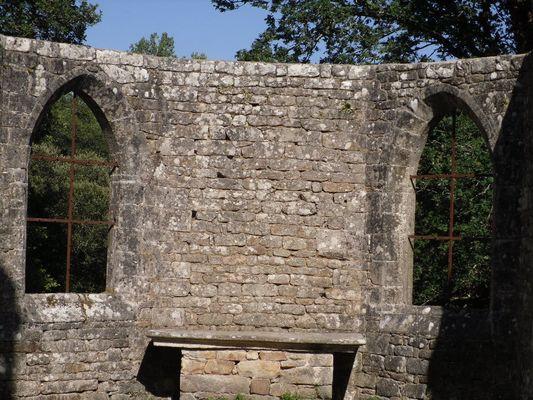 Vestiges chapelle de la Trinité - Lanvenegen - Pays roi Morvan - Morbihan Bretagne sud - CP OTPRM (8).JPG