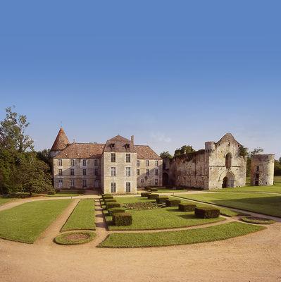 Abbaye de la Réau ©Noémi Brunet (5).jpg