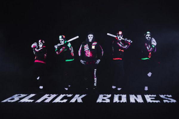 Black Bones 10 mars.jpg