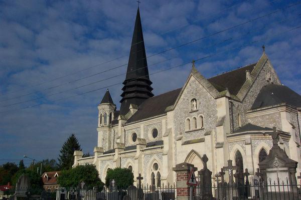 Eglise Saint Laurent de Richebourg.jpg