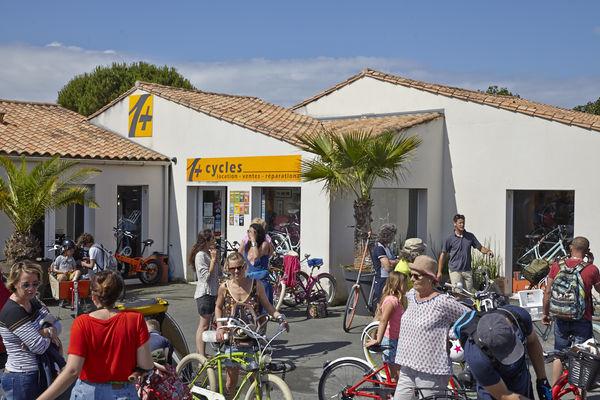 Un-Plus-Cycles-Bike-Day-10-06-2018 (15) .jpg