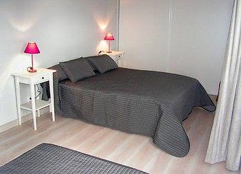 chambre-violettes-bois-neuf-internet.jpg
