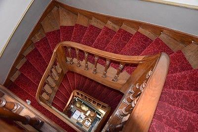 villa bleue-escalier-internet.jpg