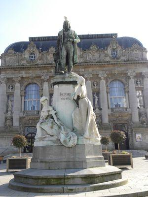 monument_jacquard_02.jpg