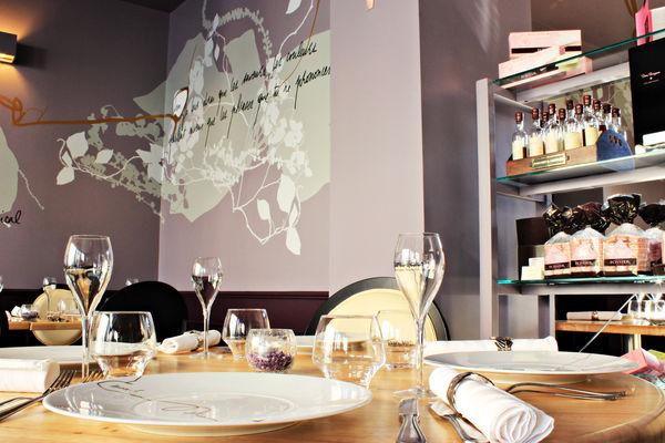 Anna S-La Table Amoureuse ©Clément Richez pour l'Office de tourisme de l'Agglomération de Reims (3).jpg