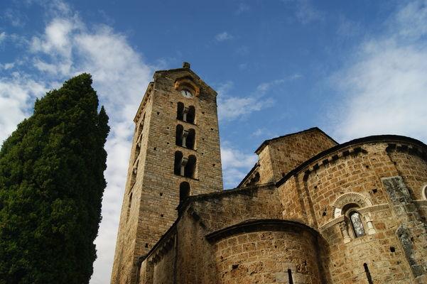 Eglise romane de Unac.jpg