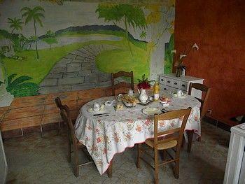 table petit dejeuner.JPG