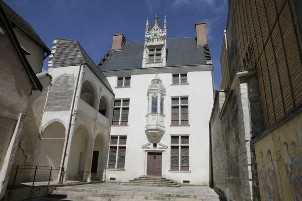 Hôtel Juvénal des Ursins.jpg