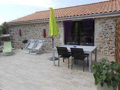 mauleon-gitesdespres5pax-terrasse-sit.jpg
