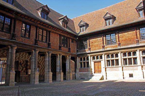 Cour de l'H+¦tel Mauroy BD.jpg