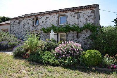 Grange de Vauviault-façade.jpg