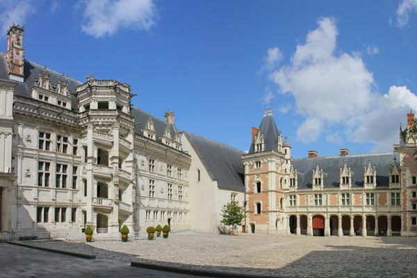 Cour du Château Royal de Blois en Val de Loire