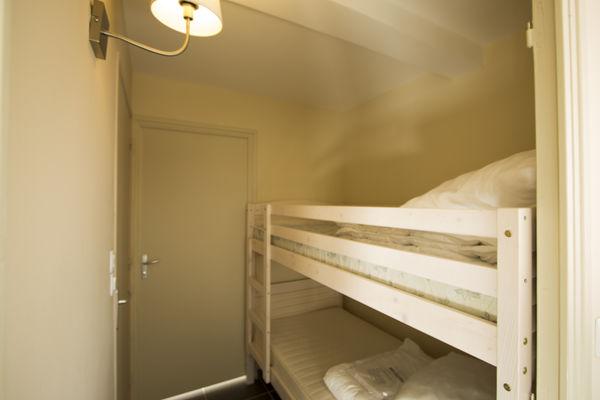 holiday-suites (6).jpg