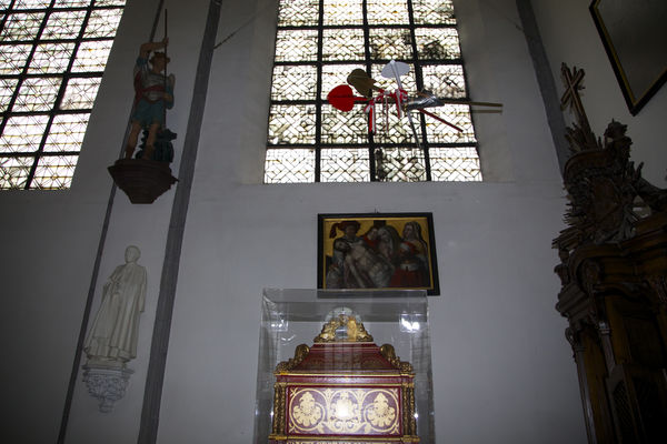 Eglise ste eliz-inte8-mons.jpg
