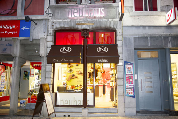 neuhaus-facade-mons.jpg