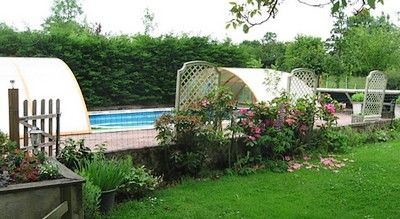 honeysucklecottage-piscine.jpg