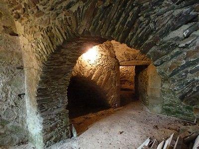 les caves de l'ancien logis-sit.jpg
