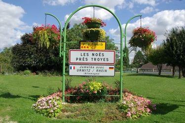Entrée de ville (c) Mairie des Noës près Troyes.JPG