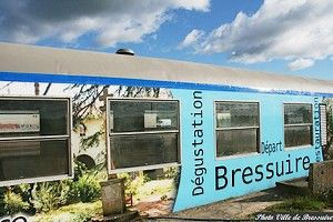 Wagon-restaurant extérieur-internet.jpg