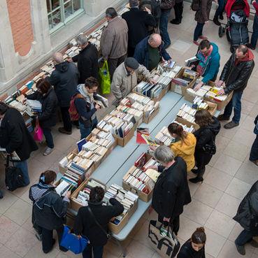 Braderie-bibliotheque-11mars-valenciennes-tourisme.jpg