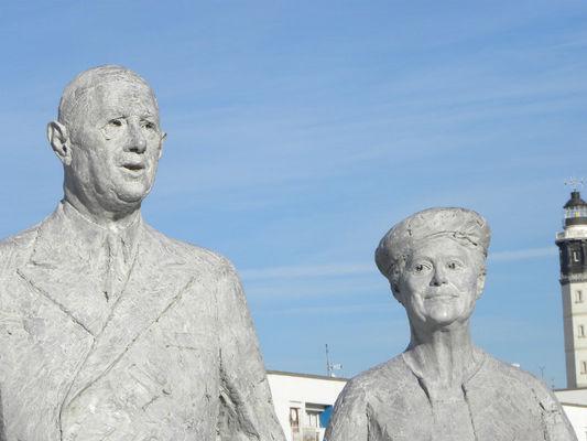Statue-Général-de-Gaulle-etYvonne-Vendroux (27).JPG