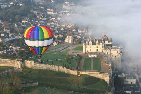 Vol en montgolfière au dessus d'Amboise avec BalloonRevolution - EvenementCiel
