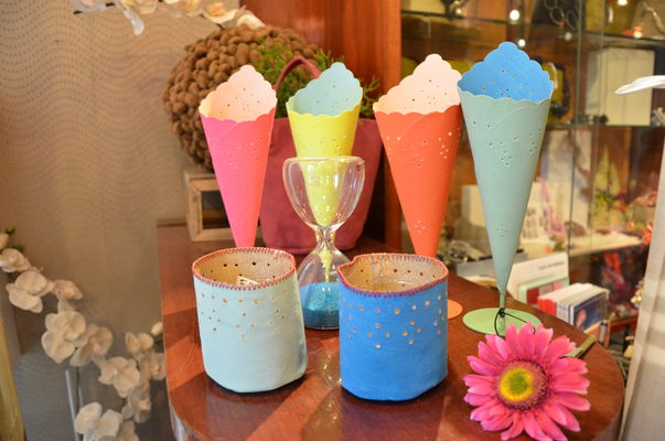 Vases cornets pop.jpg