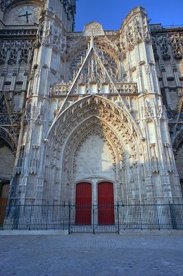 Portail Cathédrale (c)Fotolia 4 redim.jpg