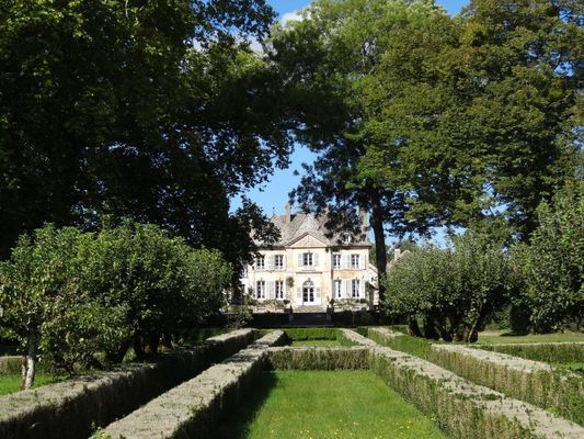 Manoir Chandon de Briailles©L Dallerey