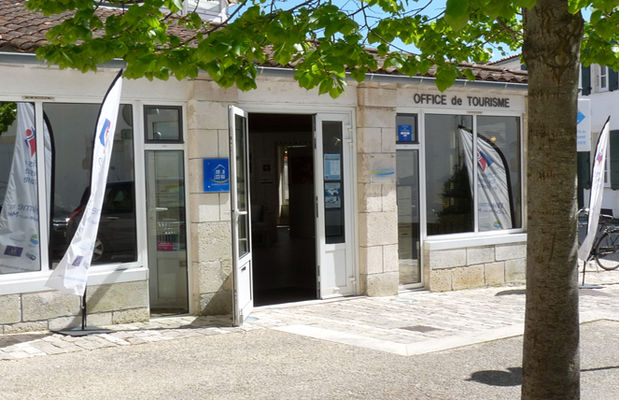 Bureau Information Touristique La Couarde sur Mer.jpg