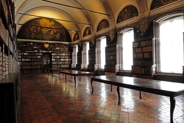 Valenciennes-bibliothèque-des-jesuites.jpg