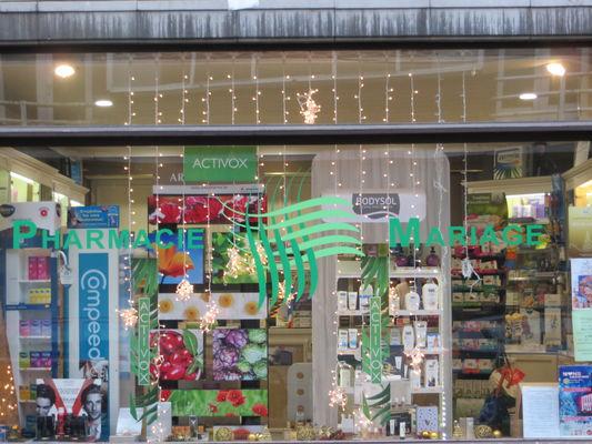 Pharmacie-Mariage-vitrine.JPG