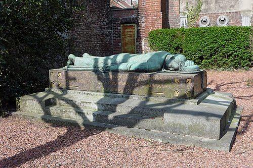 monument-delbecque-valenciennes.jpg