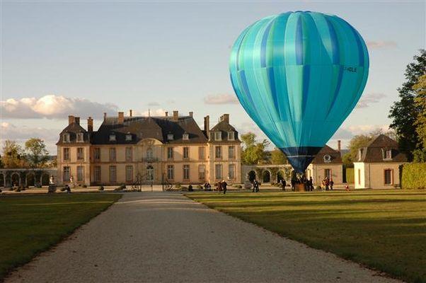 Départ du château de la Motte-Tilly.jpg