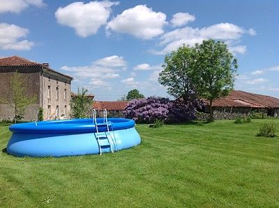 maisondesglycines-piscine1.jpg