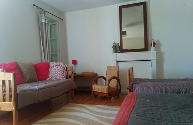 La Grande chambre des Brulonnes avec ses 3 lits.jpg