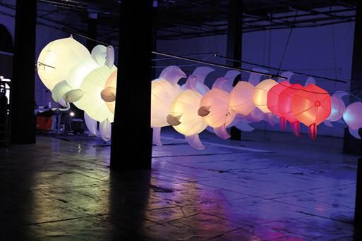 004_envolee-chromatique_la-transmutation-du-dragon-festival-pile-au-rdv-roubaix-fr-c-aerosculpture.jpg