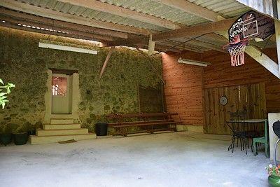 Grange de Vauviault-salle de jeux.jpg