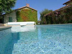 piscine1-la Vergne-internet.jpg