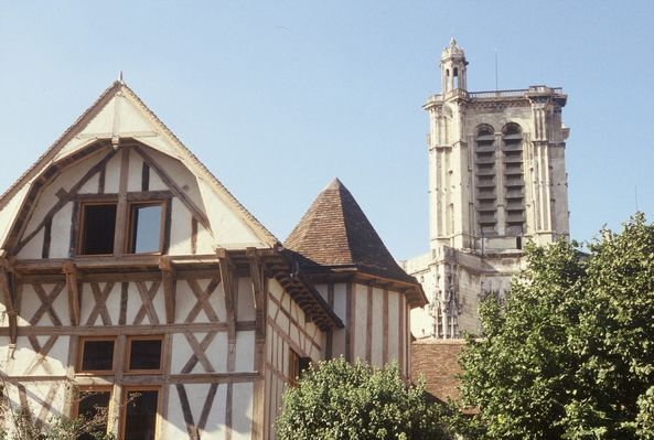 Vue Tour Cathédrale.JPG